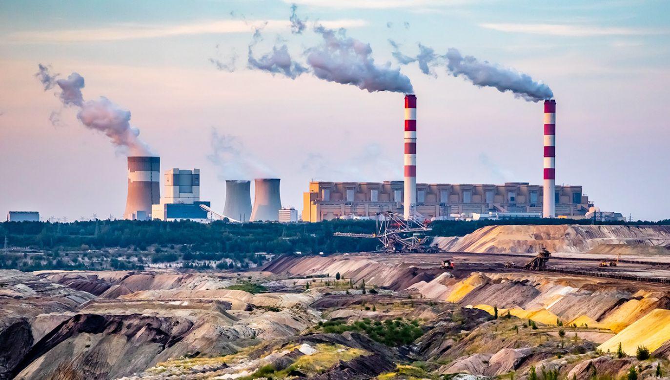 Wytworzenie 1 megawata energii z węgla pociąga za sobą koszty opłat za emisję CO2, które są wyższe niż koszt paliwa (fot. Shutterstock)