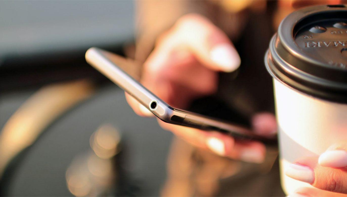 Drogi telefon to w wielu kręgach oznaka statusu materialnego (fot. Pexels)