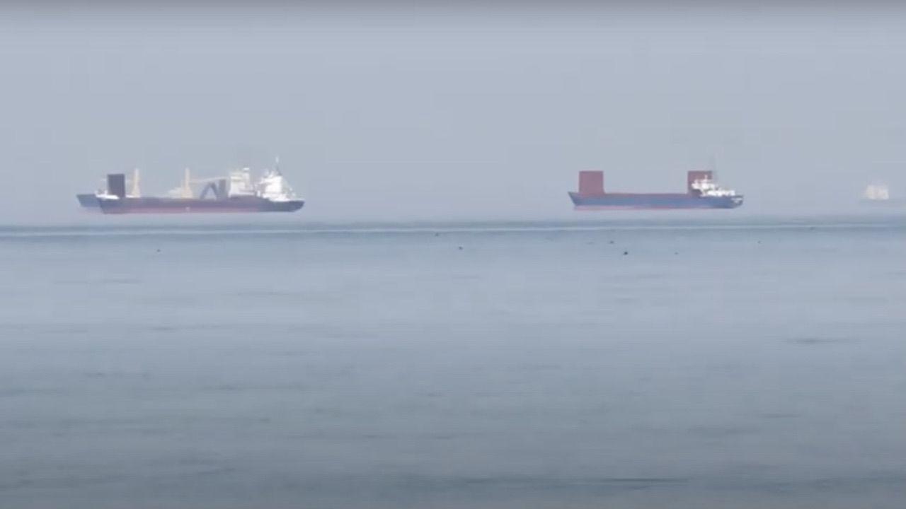 """Internauta nagrał statki """"latające"""" nad zatoką  (fot. yt/ FLOU)"""