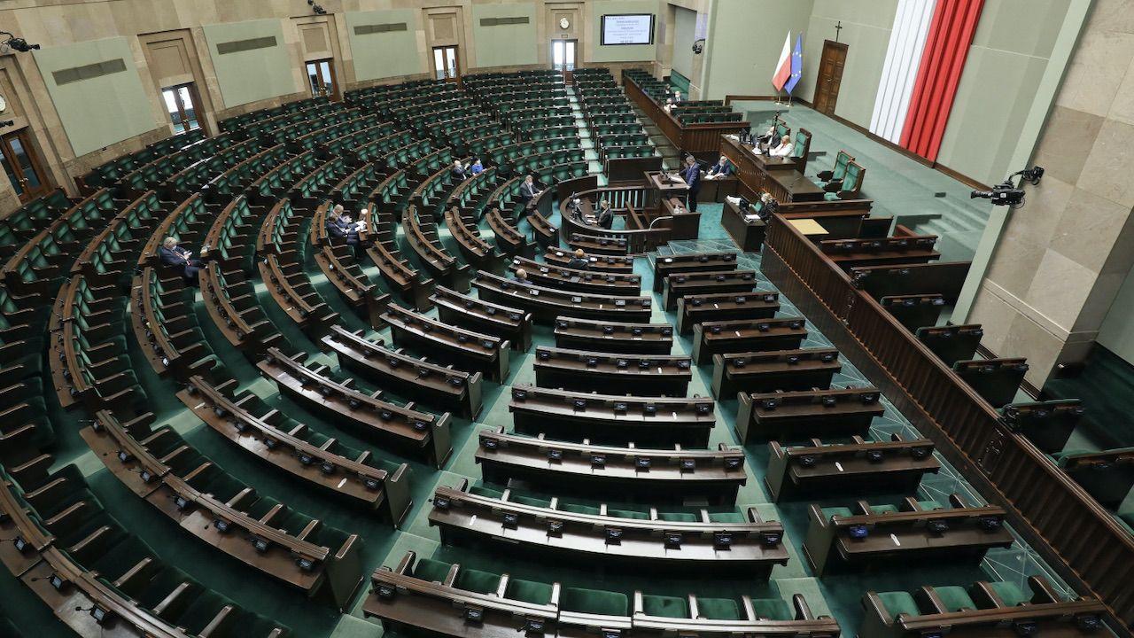 Zaskakujące wyniki nowego sondażu (fot. PAP/Paweł Supernak)