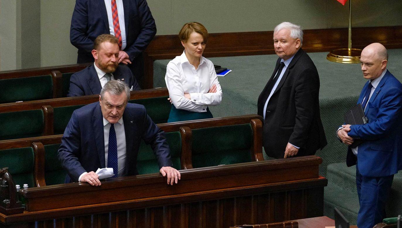 Gorąca dyskusja w Sejmie nad wotum nieufności dla Szumowskiego (fot. PAP/Mateusz Marek)
