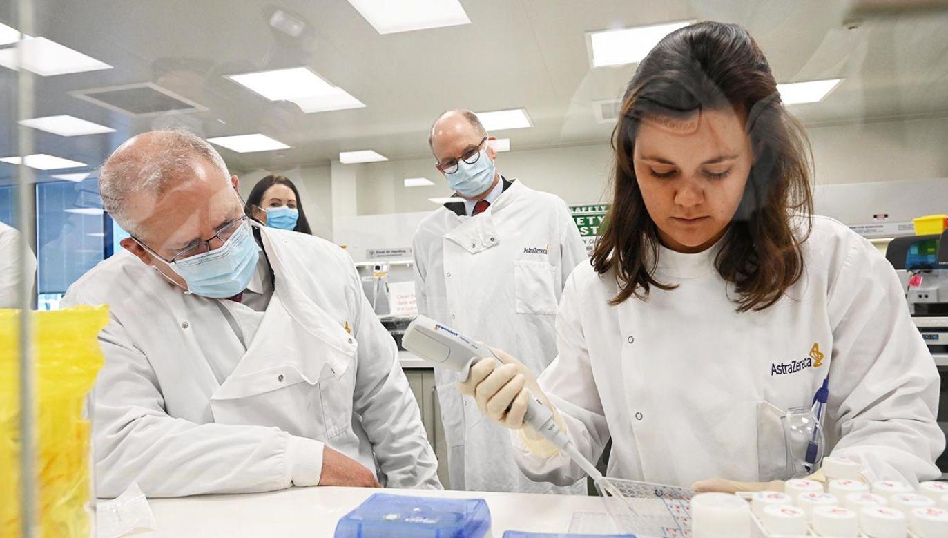 Kiedy pierwsze szczepionki trafią do Polski? Możemy spodziewać się ich na przełomie roku (fot. Nick Moir - Pool/Getty Images)