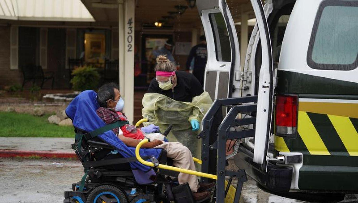 COVID-19 może spowodować od 100 tys. do 240 tys. zgonów w Stanach Zjednoczonych (fot. REUTERS/Go Nakamura)