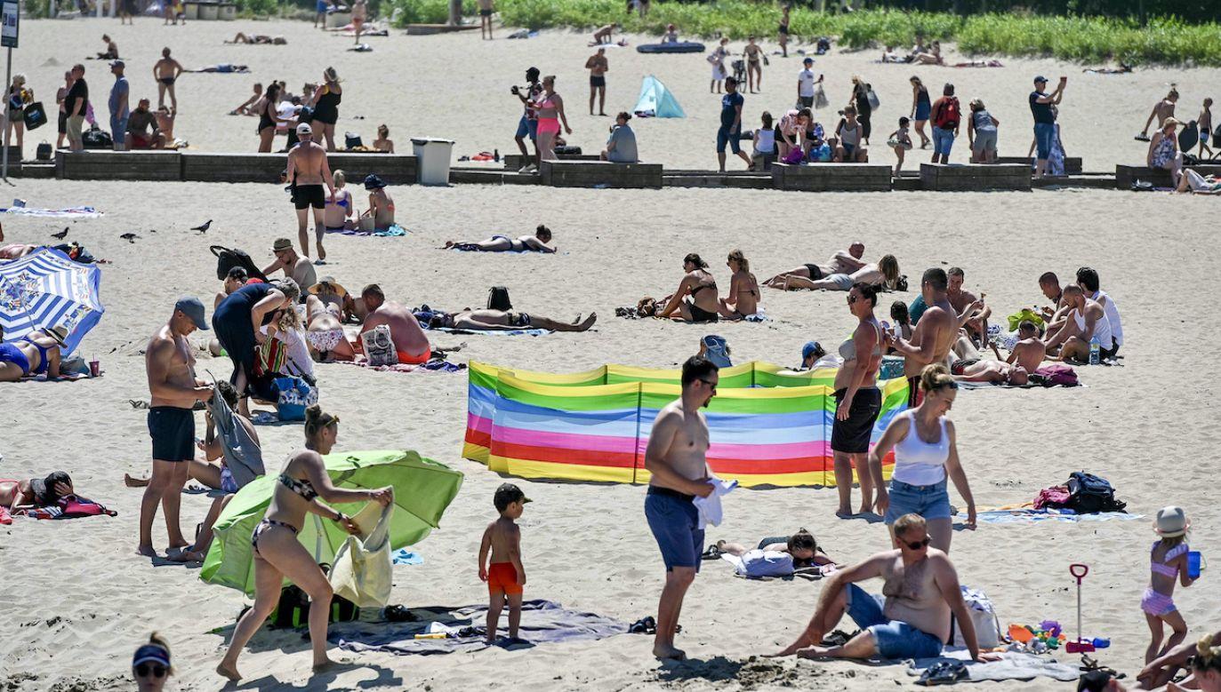 Wielu Polaków zdecydowało się wypoczywać w kraju (fot. arch.PAP/Jan Dzban)