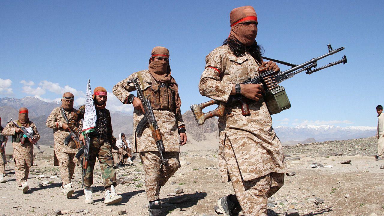 Po ataku Talibów, wstrzymano wszystkie loty do i z Kandaharu (fot. Wali Sabawoon/NurPhoto via Getty Images)