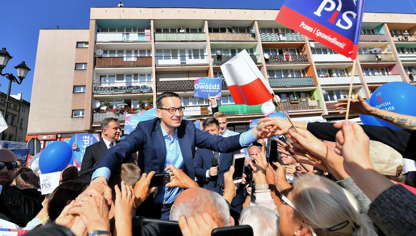 Premier Mateusz Morawiecki podczas spotkania z mieszkańcami w Ząbkowicach Śląskich (fot. PAP/Jan Karwowski)