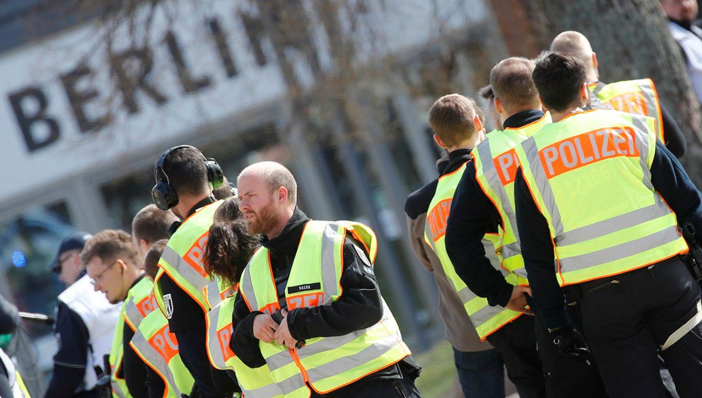 Poszukiwania gangów przemycających ludzi odbywają się w całym Berlinie i okolicy (fot. REUTERS/Hannibal Hanschke)