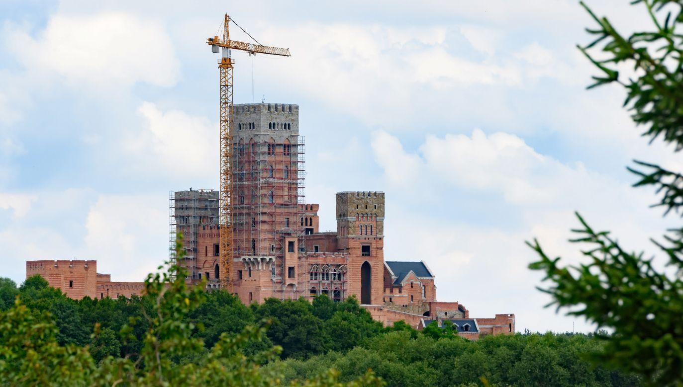 Budowa obiektu jest prowadzona na obszarze chronionym Natura 2000 (fot. arch. PAP/Jakub Kaczmarczyk)
