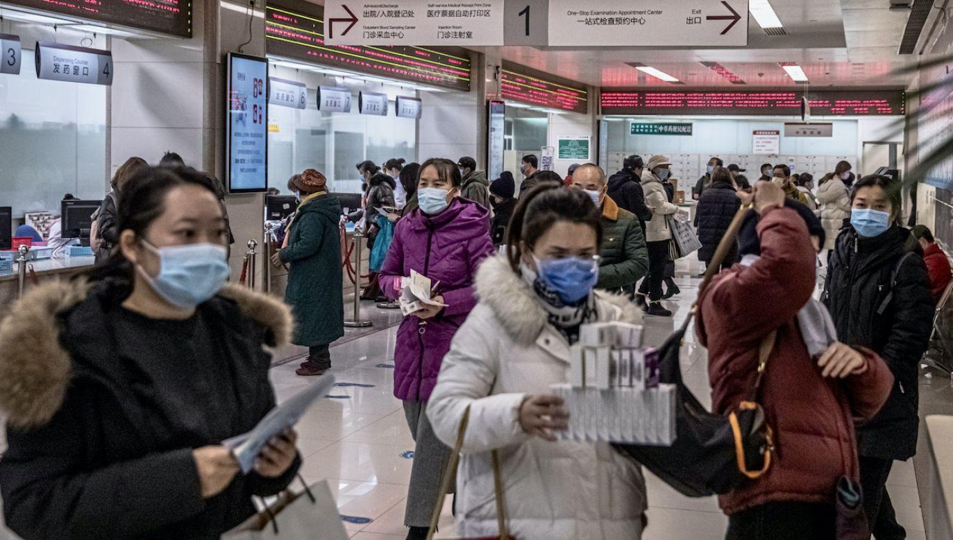 Chińskie władze apelują o powstrzymanie się od podróży w okresie nowego roku (fot. PAP/EPA/ROMAN PILIPEY)