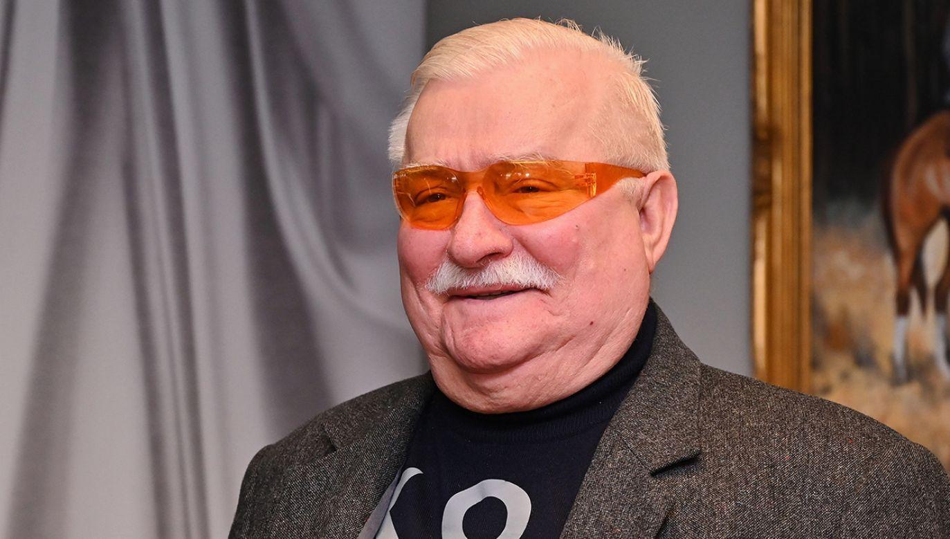 """Jak powiedział Naimski, """"być może Wałęsa obawiał się teczki, która została znaleziona po śmierci gen. Kiszczaka u jego żony"""" (fot. arch. PAP/Marcin Gadomski)"""