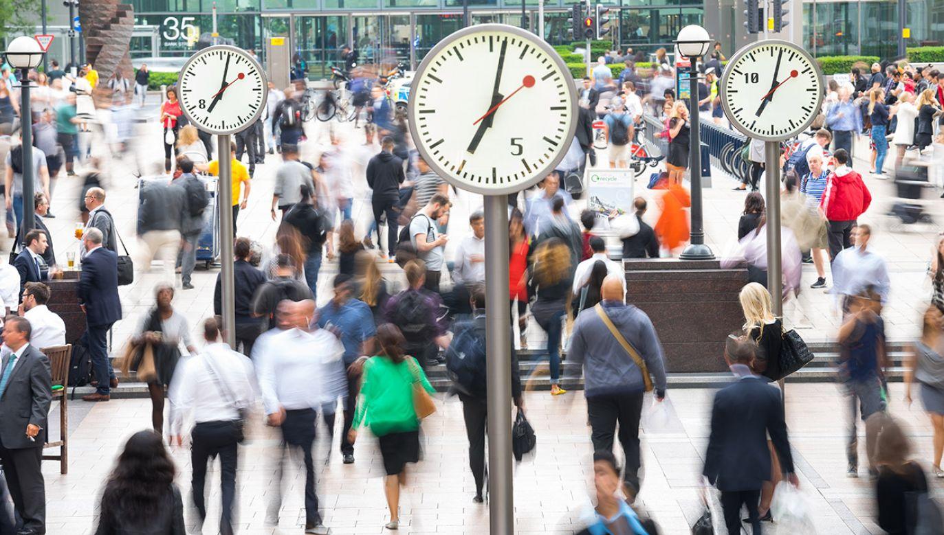 Partia Pracy zapowiada 4-dniowy system pracy, jeśli wygra wybory (fot. Shutterstock/alice-photo)