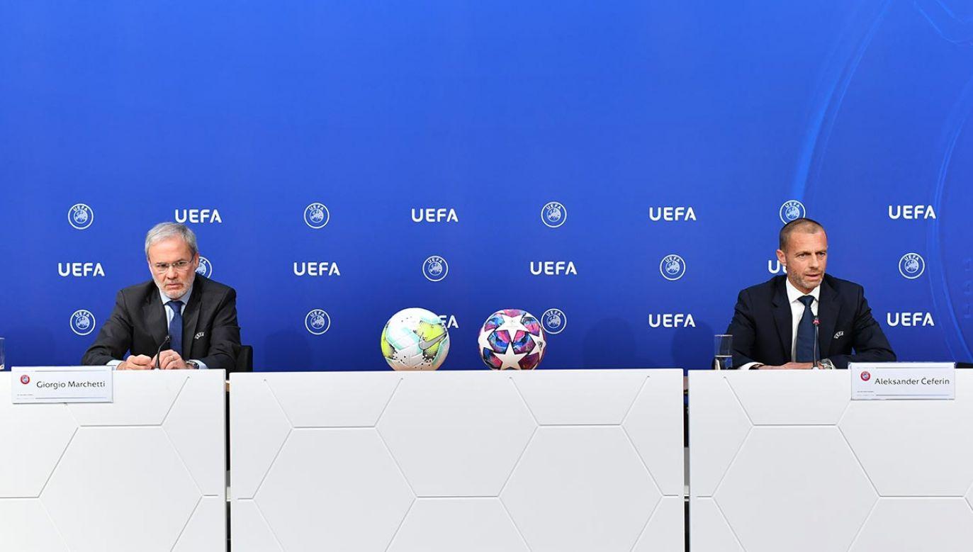 O zmianach poinformował siedzący po prawej szef UEFA Aleksander Ceferin (fot. Harold Cunningham - UEFA/UEFA via Getty Images)