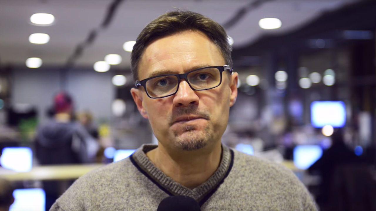 """Publicysta """"Gazety Wyborczej"""" Paweł Wroński (fot. YouTube/Gazeta Wyborcza)"""