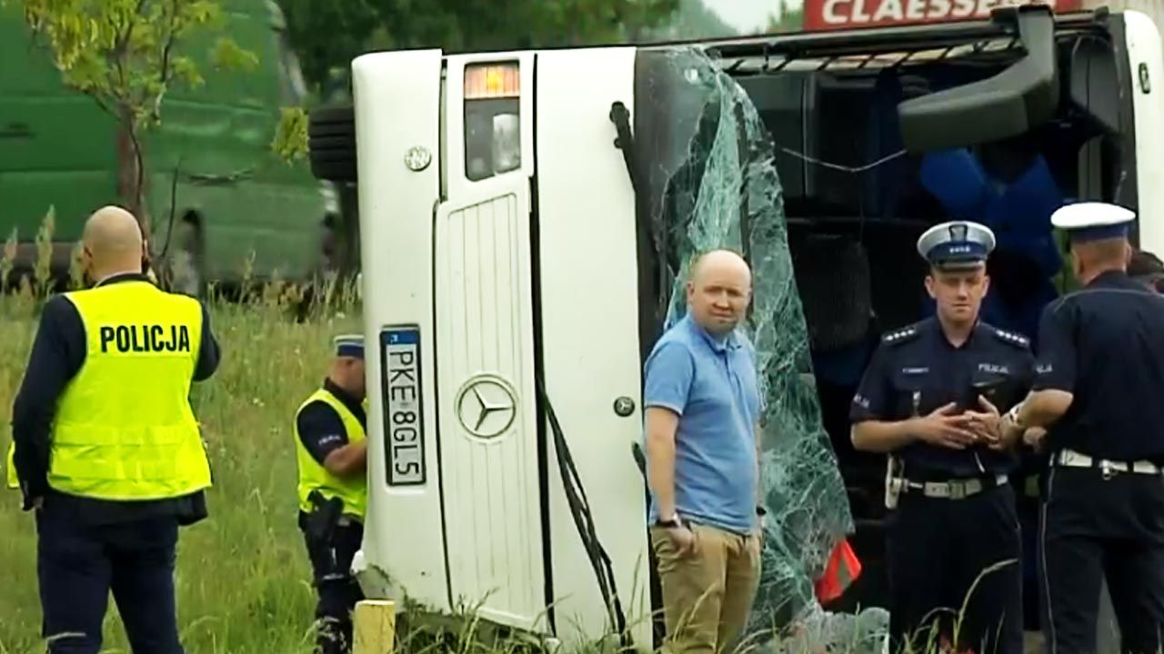 Busem podróżowało ok. 25 dzieci oraz trójka opiekunów (fot. TVP Info)