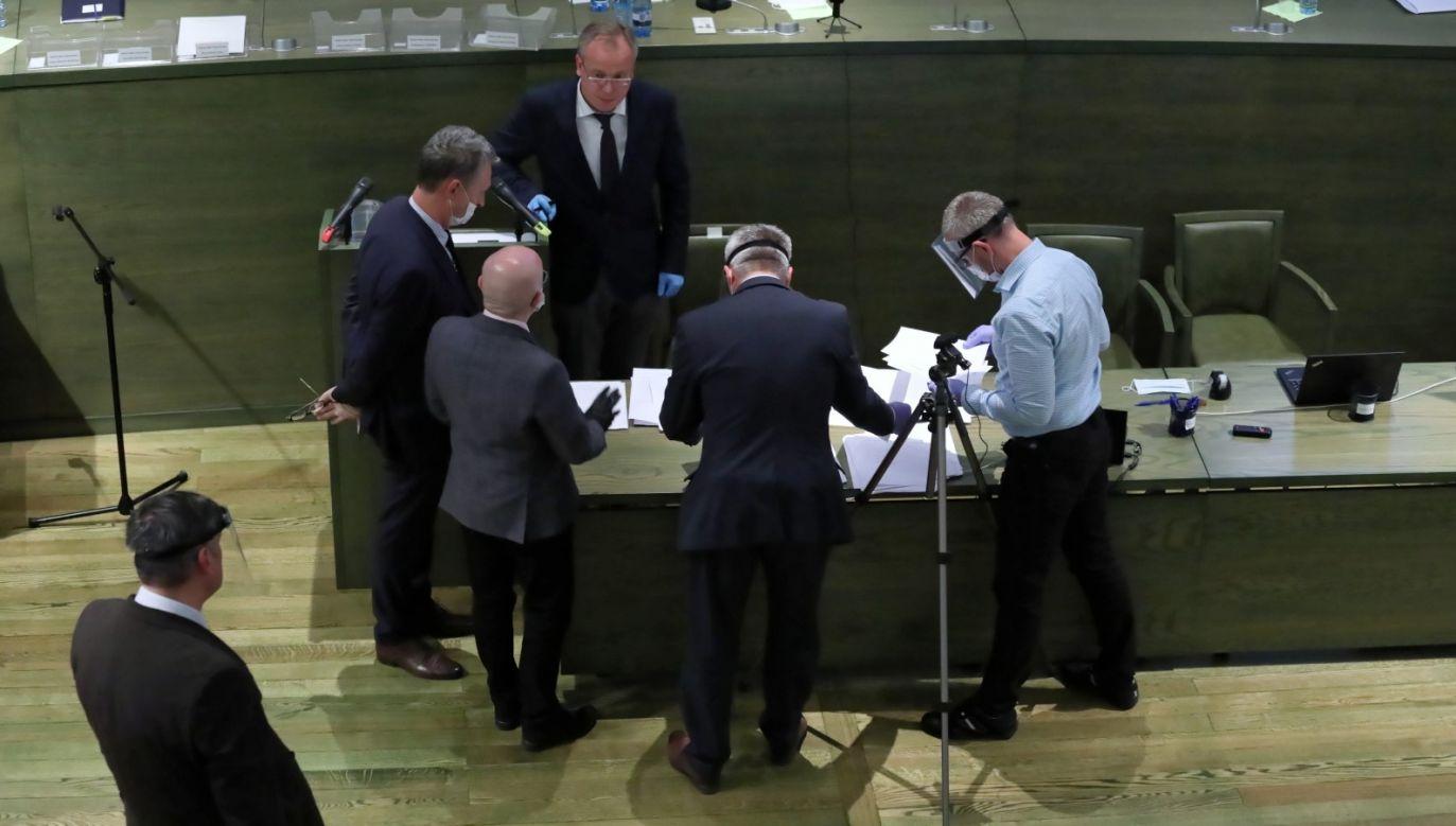 Sędziowie Sądu Najwyższego wyłonili pięcioro kandydatów na I prezesa Sądu Najwyższego (fot. PAP/Tomasz Gzell)