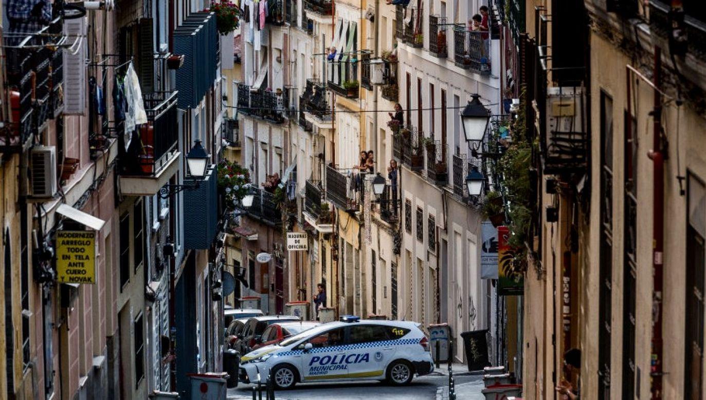 W piątek władze Madrytu ogłosiły uruchomienie procedury dla turystów, u których stwierdzono zachorowanie na Covid-19 (fot. Juan Naharro Gimenez/Getty Images)