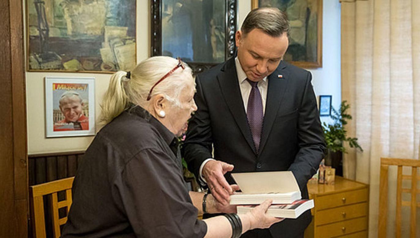 Prezydent spotkał się z Krystyną Barchańską, matką niespełna 17-letniego Emila, zamordowanego w 1982 r. (fot. KPRP/Igor Smirnow)