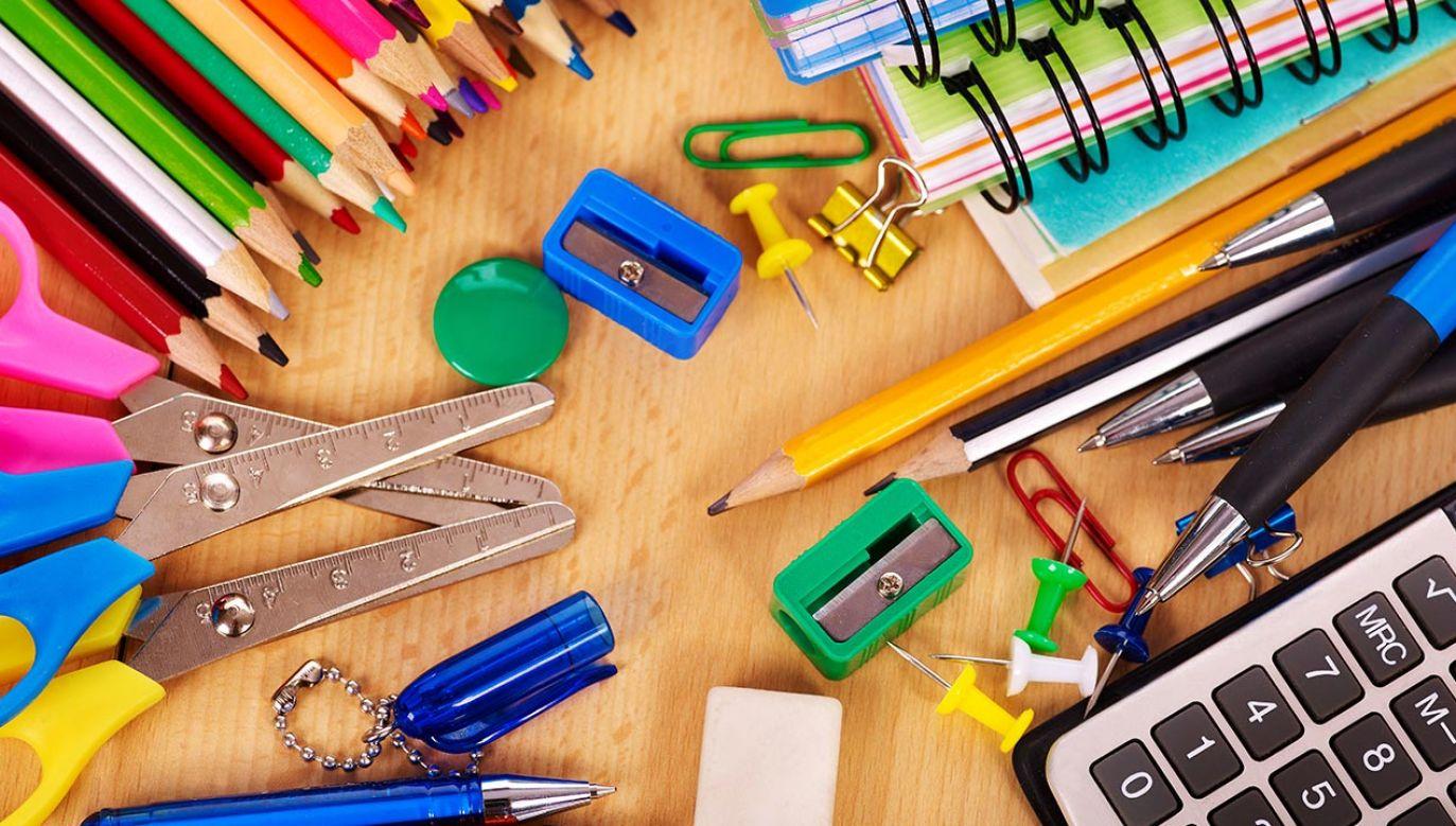 Wnioski o wyprawkę szkolną można składać od 1 lipca tego roku (fot. Shutterstock/Poznyakov)