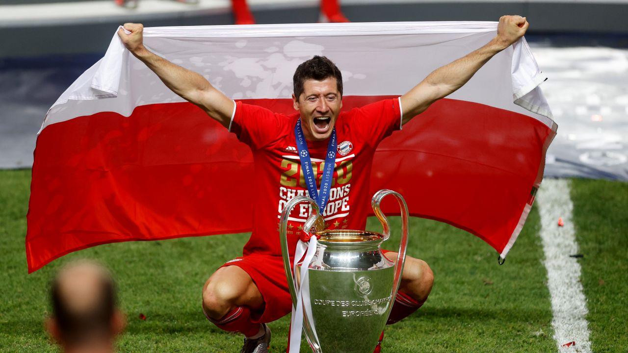 Robert Lewandowski miał w mijającym roku mnóstwo powodów do zadowolenia (fot. Getty Images)