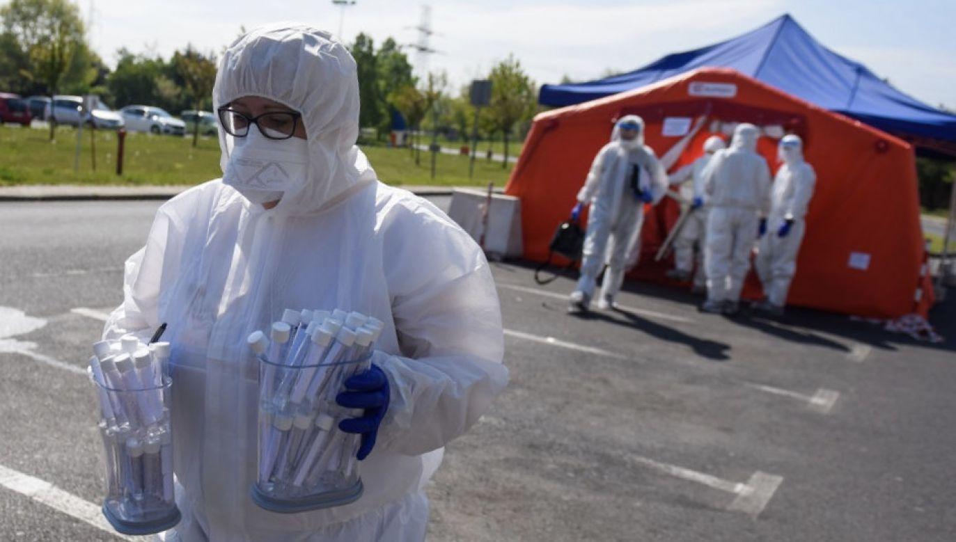 W poniedziałek Ministerstwo Zdrowia podało, że ostatniej doby wykonano ponad 12,2 tys. testów na obecność koronawirusa i wykryto 748 nowych przypadków (fot. Omar Marques/Getty Images)