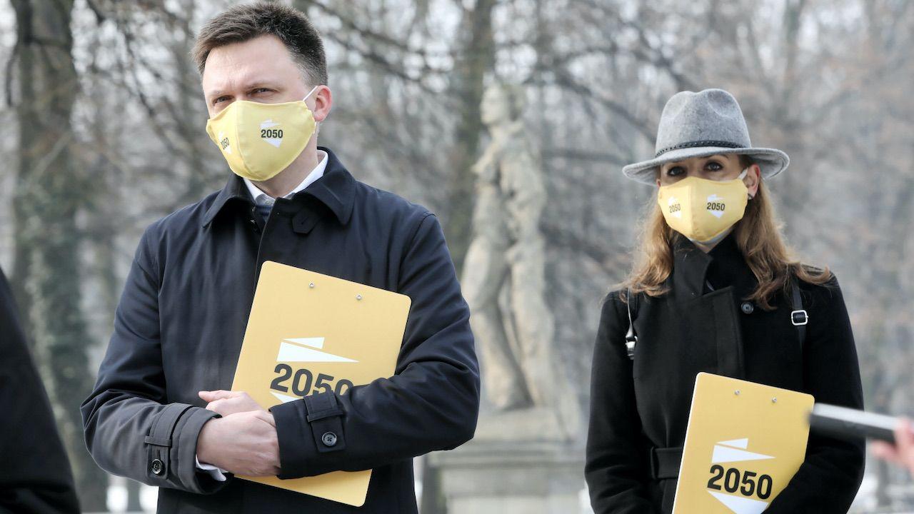 Lider Ruchu Polska 2050 Szymon Hołownia i posłanka Joanna Mucha w Warszawie(fot. PAP/Wojciech Olkuśnik)