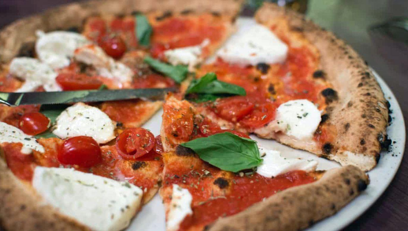 Przeciętne polskie gospodarstwo domowe kupuje pizzę raz na dwa miesiące (fot. pixnio.com)