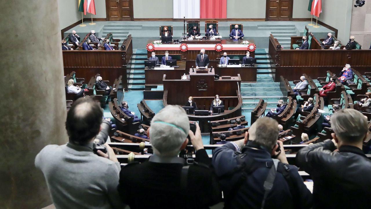 Do Sejmu dostałoby się sześć ugrupowań (fot. arch.PAP/W.Olkuśnik)