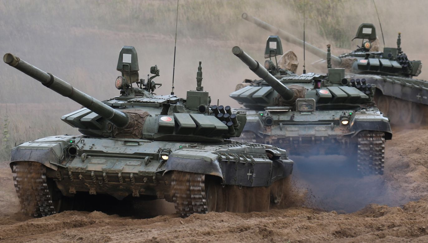 Russian T-72 main battle tanks drive during the Russian-Belarusian Zapad-2021 military exercises, Photo: PAP/EPA/RUSSIAN DEFENCE MINISTRY PRESS SERVICE/HANDOUT HANDOUT