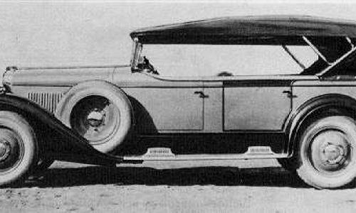... a CWS T-1 Torpedo (na zdjęciu) miał zdejmowany dach. Istniały tez wersje: berlina (z nadwoziem zamkniętym dwudrzwiowym), fałszywy kabriolet (nadwozie zamknięte dwudrzwiowe) i lekki ciężarowy (dwudrzwiowa kabina, część towarowa do zabudowy jako pick-up lub furgonetka). Fot. Domena publiczna, https://commons.wikimedia.org/w/index.php?curid=400907
