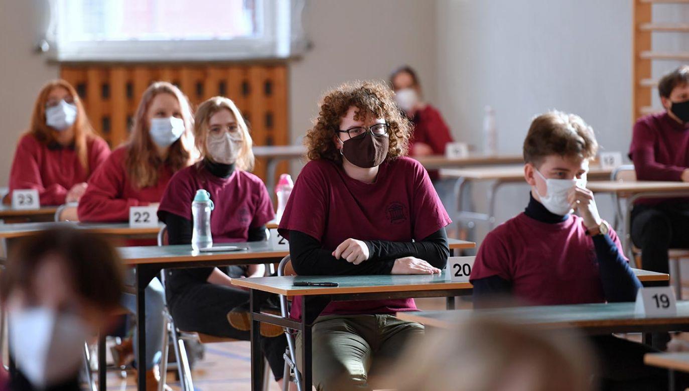 Powrót do nauki stacjonarnej jeszcze w tym semestrze? (fot. PAP/Marcin Bielecki)