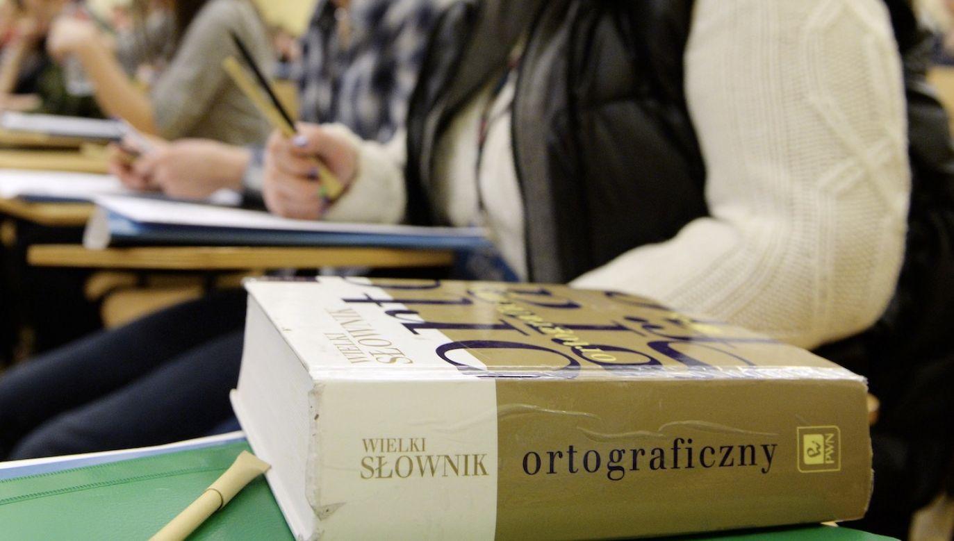 """W ub.r. wygrało słowo """"alternatywka"""" (fot. arch.PAP/Jacek Turczyk)"""