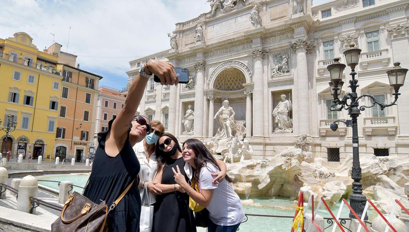 Dane epidemiczne wskazują na poprawę sytuacji we Włoszech (fot.  Simona Granati - Corbis/Getty Images)