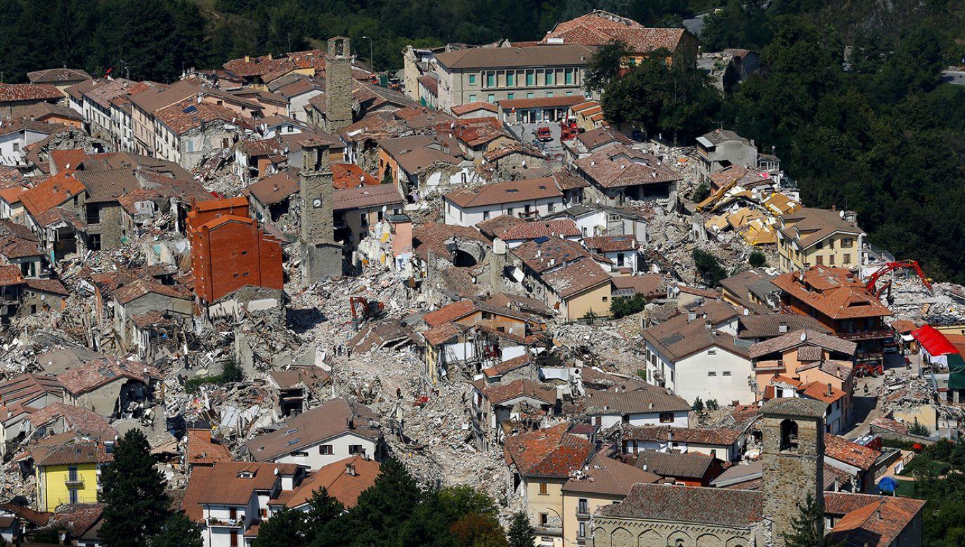 3 lata temu trzęsienie ziemi dotknęło Amatrice i inne okoliczne wioski. Budynki nadal nie zostały odbudowane (fot. REUTERS/Stefano Rellandini)