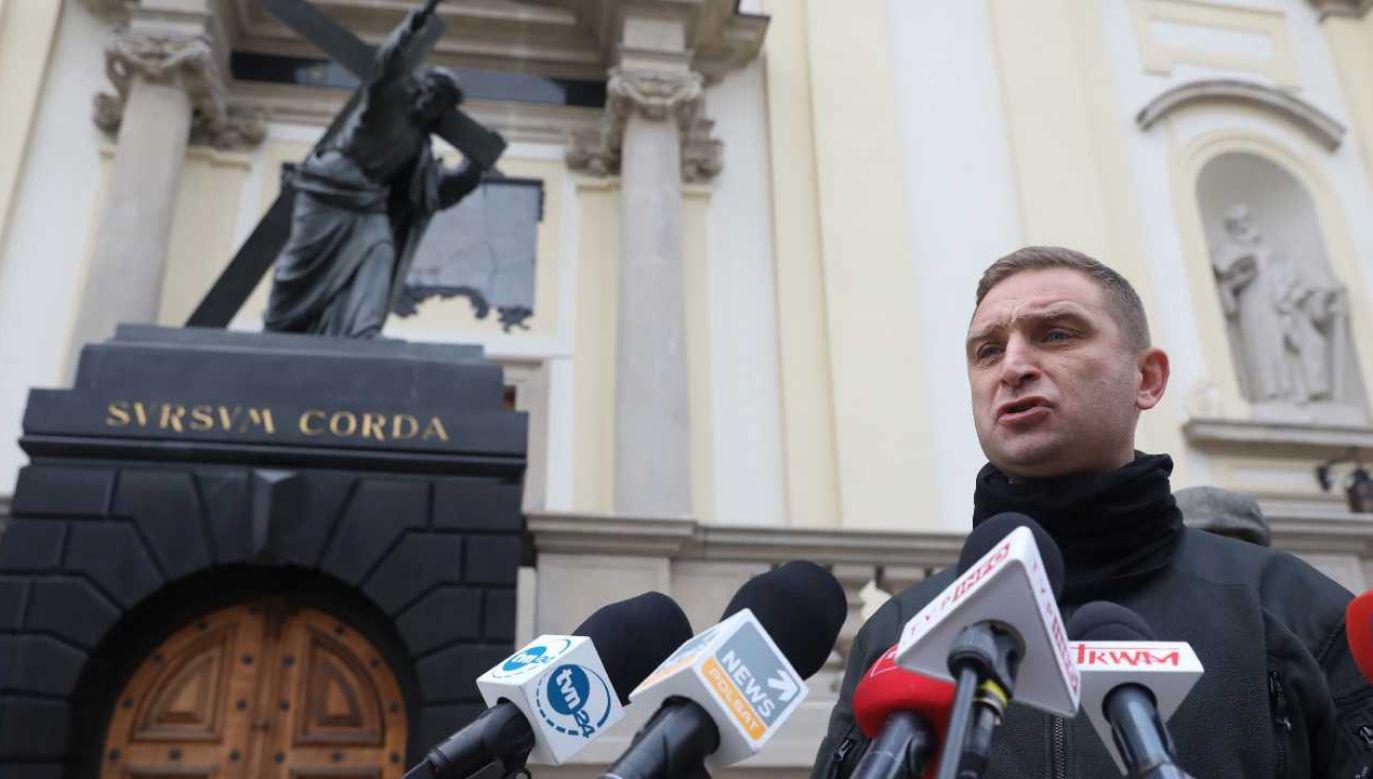 Przewodniczący Stowarzyszenia Marsz Niepodległości Robert Bąkiewicz (fot. PAP/Tomasz Gzell)
