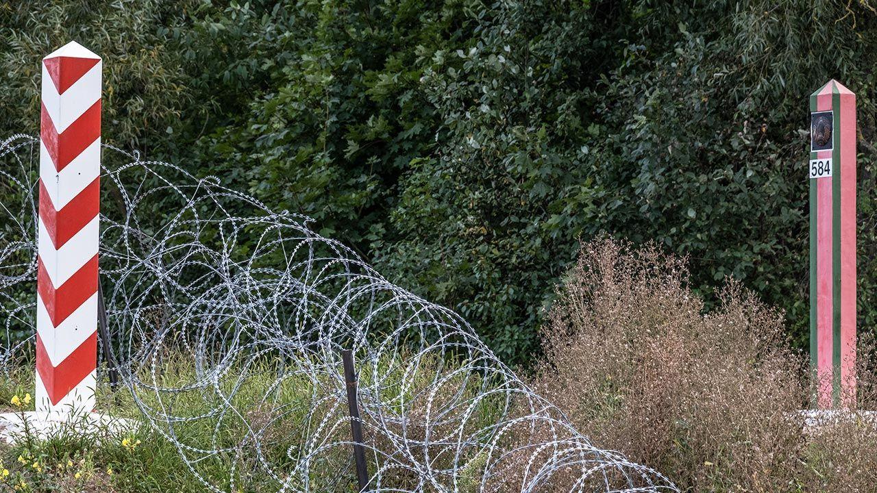 Na granicy polsko-białoruskiej stanie zapora (fot.  Maciej Moskwa/NurPhoto via Getty Images)