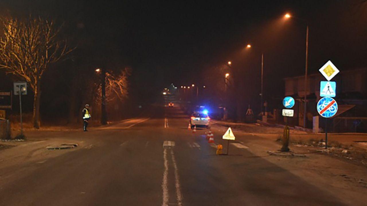 Policjanci poszukują świadków zdarzenia (fot. mazowiecka.policja.gov.pl)