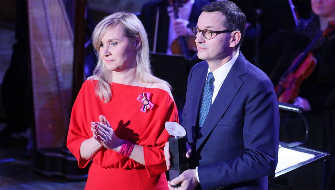 Premier Mateusz Morawiecki odebrał nagrodę przyznaną jego ojcu (fot. PAP/Paweł Supernak)