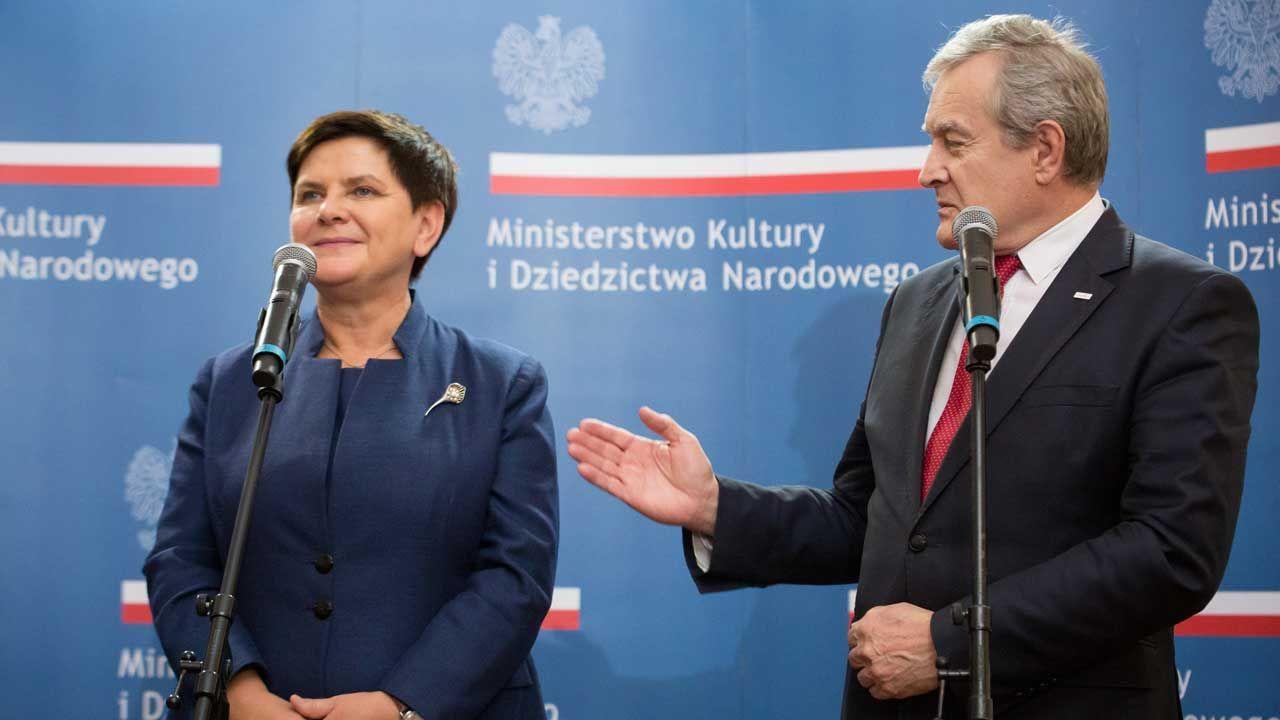 Beata Szydło i Piotr Gliński na konferencji prasowej we wrześniu 2018 roku (fot. FORUM/ Mateusz Wlodarczyk)