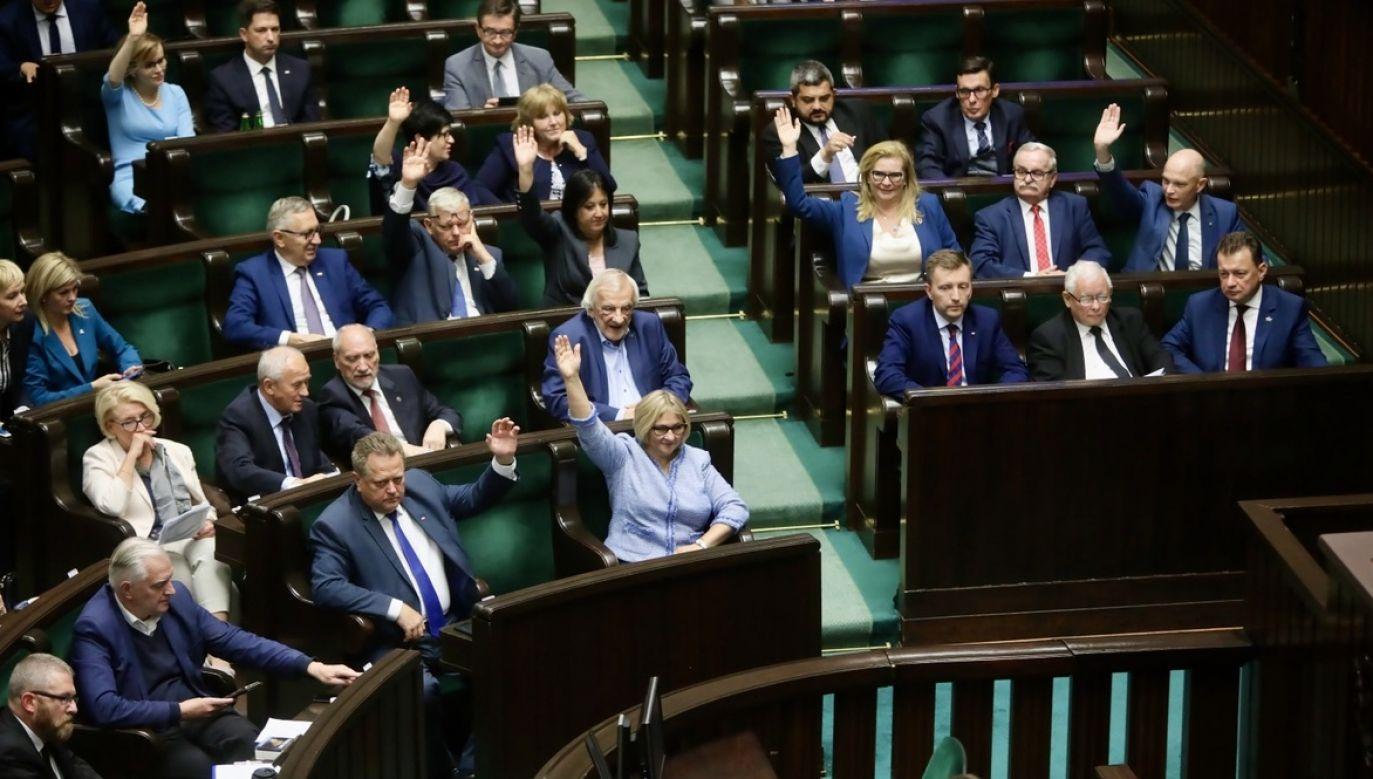 O dalszych losach koalicji z Solidarną Polską i Porozumieniem zadecyduje kierownictwo PiS (fot. PAP/Wojciech Olkuśnik)