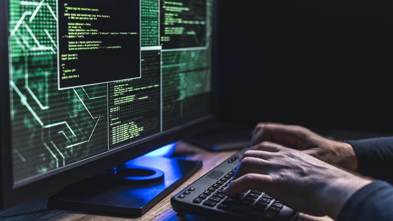 Hakerzy zaatakowali system informatyczny Urzędu Marszałkowskiego w Krakowie (fot. Shutterstock/husjur02)