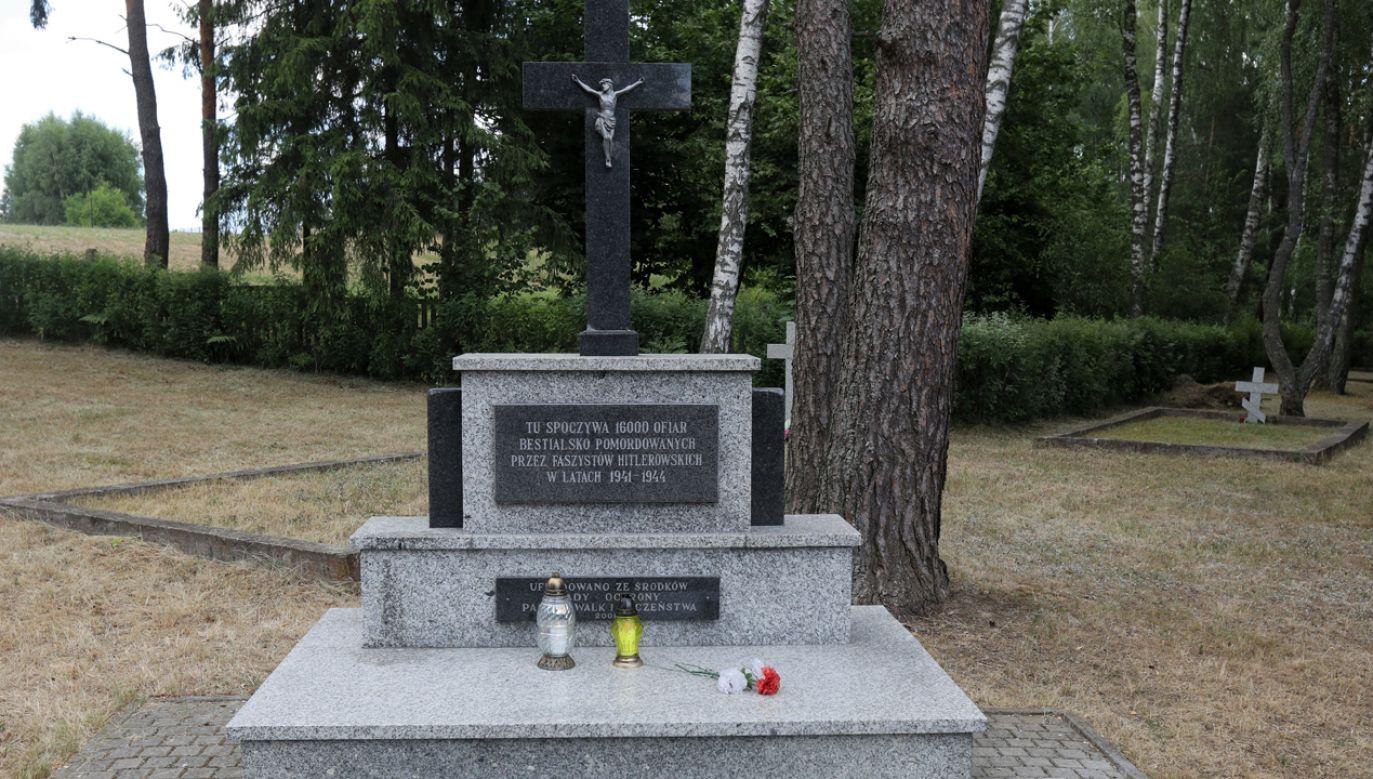 Gdy zbliżał się front, Niemcy próbowali zatrzeć ślady zbrodni (fot. PAP/Artur Reszko)