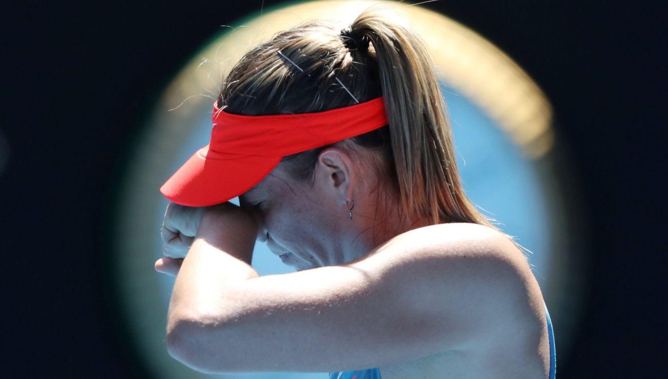 Przed rokiem Maria Szarapowa grała jeszcze wielkoszlemowym Australian Open, potem jednak przez wiele miesięcy narzekała na uraz barku. Fot. REUTERS/Lucy Nicholson