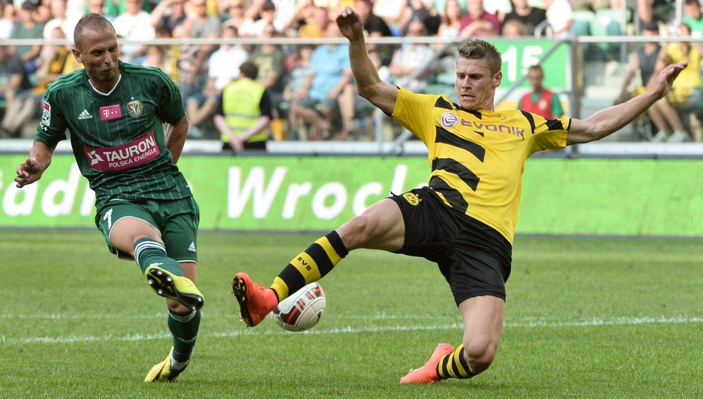 W barwach Śląska Sebino Plaku miał okazję zagrać nawet przeciwko Borussi Dortmund i Łukaszowi Piszczkowi (fot. PAP)