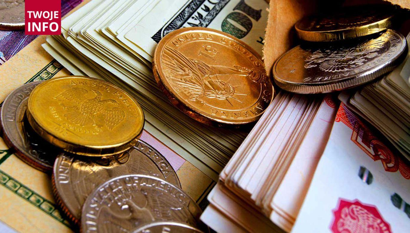 Dwóch napastników dokonało kradzieży na sumę 350 tys. zł (fot. Shutterstock/Rrraum)