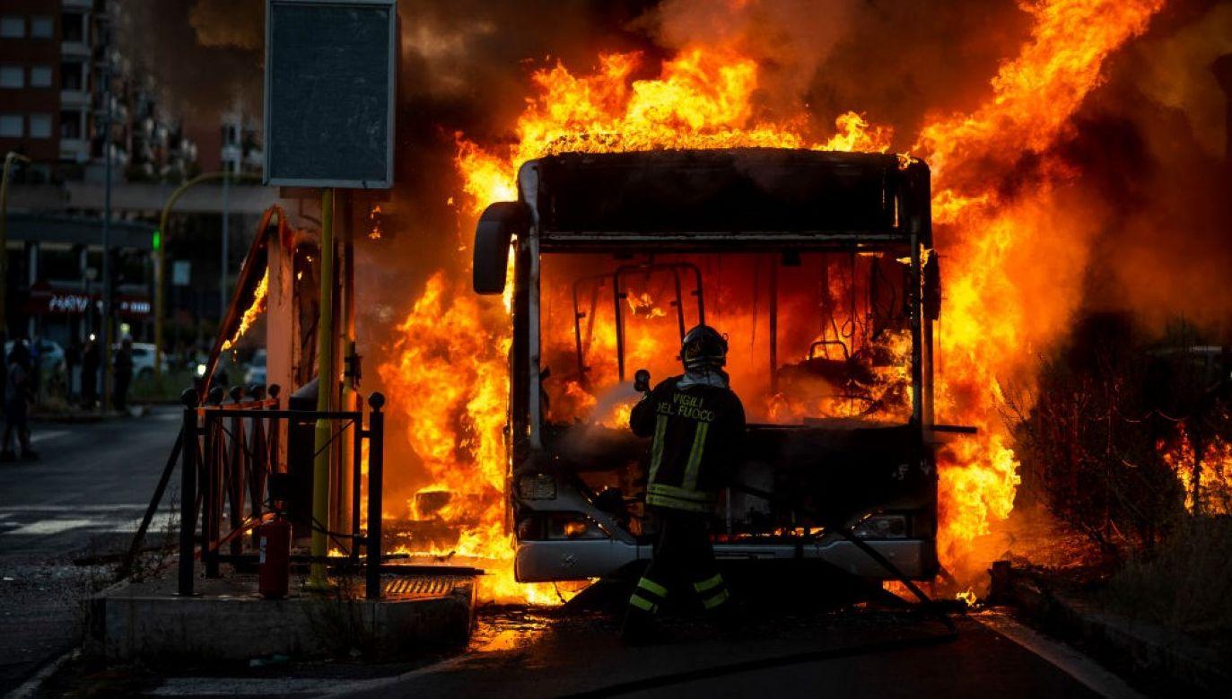 W Rzymie spłonęły dwa autobusy miejskie  (fot. Antonio Masiello/Getty Images/ zdjęcie ilustracyjne)
