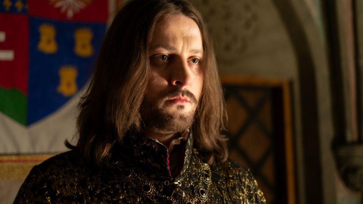 Następcą Kazimierza został syn jego siostry i król Węgier – Ludwik (fot. TVP)