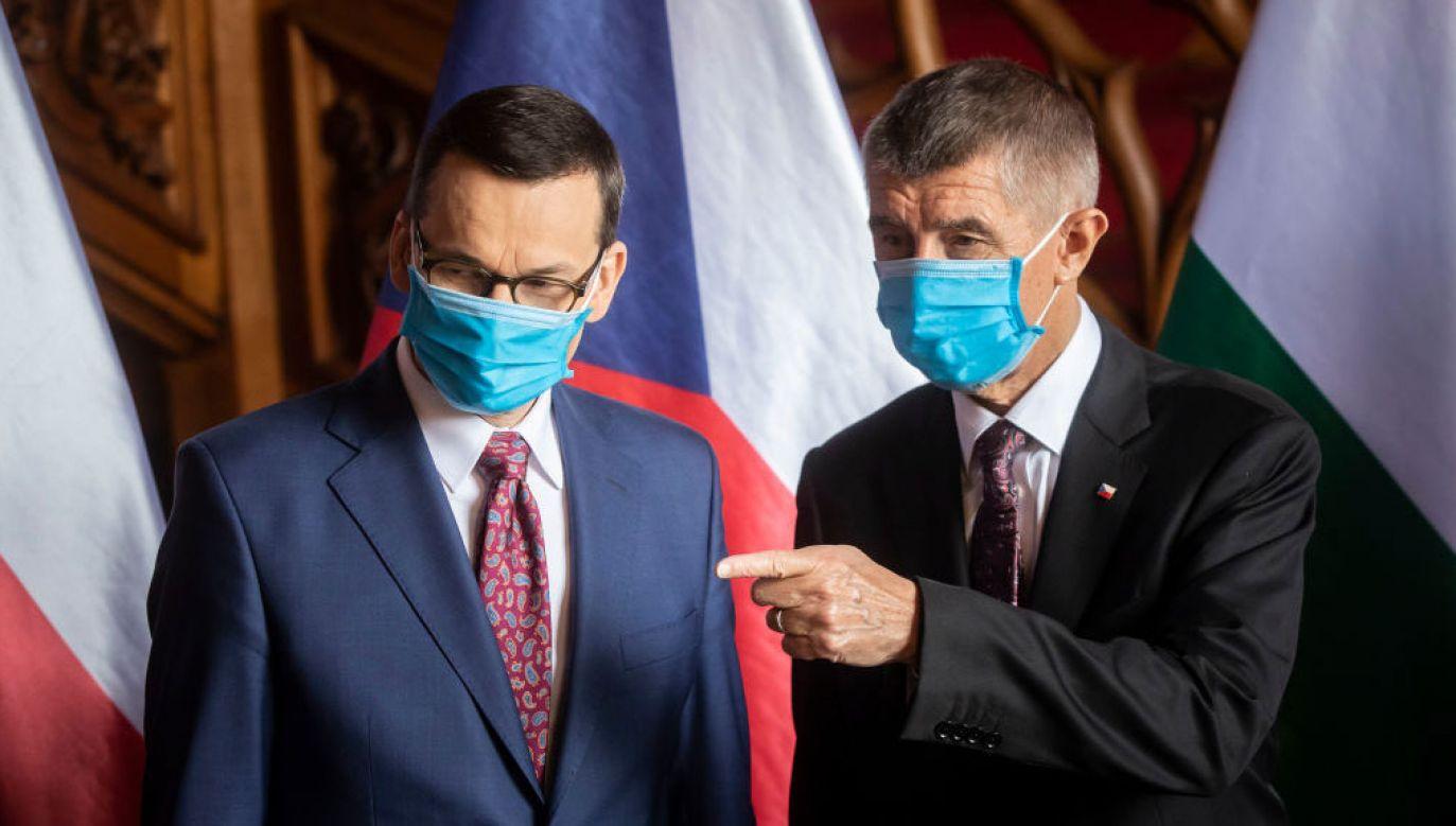 Mateusz Morawiecki i Andrej Babisz na spotkaniu V4 w czerwcu 2021 r. (fot. Gabriel Kuchta/Getty Images)