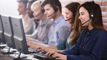 UOKiK konsekwentnie karze za wykonywanie połączeń bez zgody konsumentów (fot. Shutterstock/Andrey_Popov)