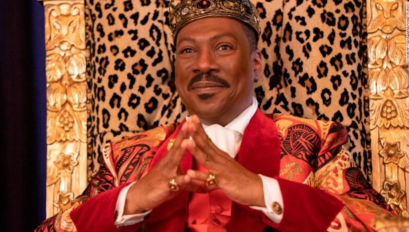 Książe Akeem, następca tronu, chce spełnić życzenie umierającego ojca (fot. YouTube/ Amazon Prime Video)