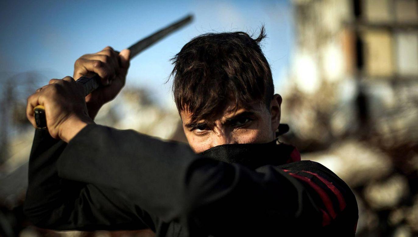 Grupa trenuje od trzech miesięcy (fot. PAP/ Mustafa Hassona / Anadolu, zdjęcie ilustracyjne)
